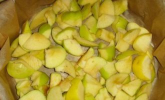 Bujna Charlotte z jabłkami na kefirze w piekarniku - 6 prostych i pysznych przepisów krok po kroku