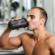Kiedy pić białko: przed lub po treningu