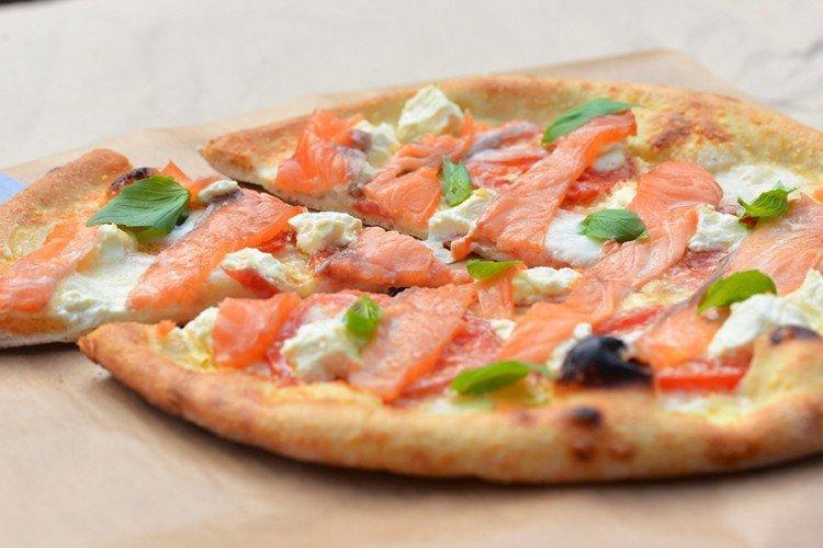 Polewa do pizzy z czerwoną rybą
