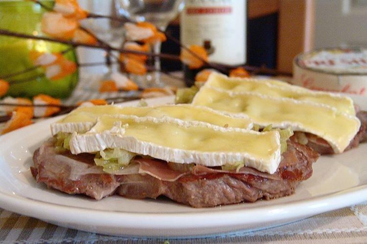 Francuskie mięso z winem i prosciutto w piekarniku - przepisy -