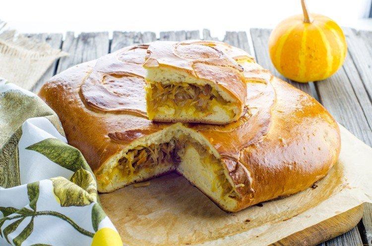 Ciasto z kapustą na kwaśnym kefirze w piekarniku - przepisy kulinarne