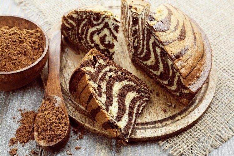 Klasyczne ciasto zebry na śmietanie - przepisy kulinarne