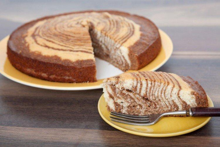Klasyczne ciasto zebry na kefirze bez masła - przepisy kulinarne