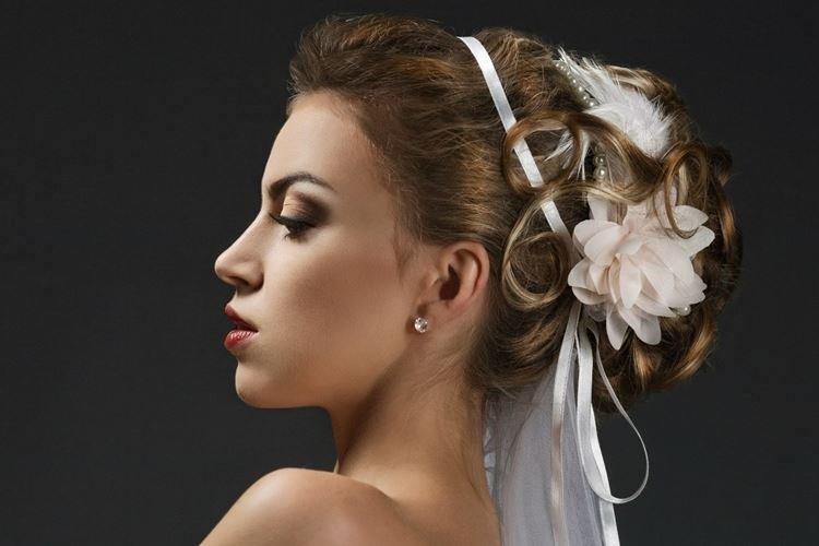 Fryzura Z Piór - Fryzury Ślubne dla Długich Włosów