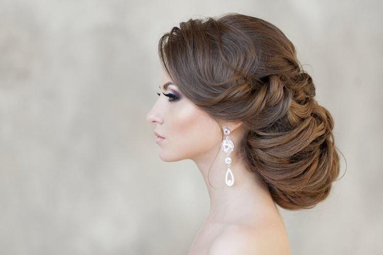 Minimalizm wolumetryczny - Fryzury ślubne na długie włosy