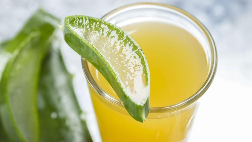Przy pomocy miodu można długo przechowywać sok z aloesu (fot. 2.bp.blogspot.com)